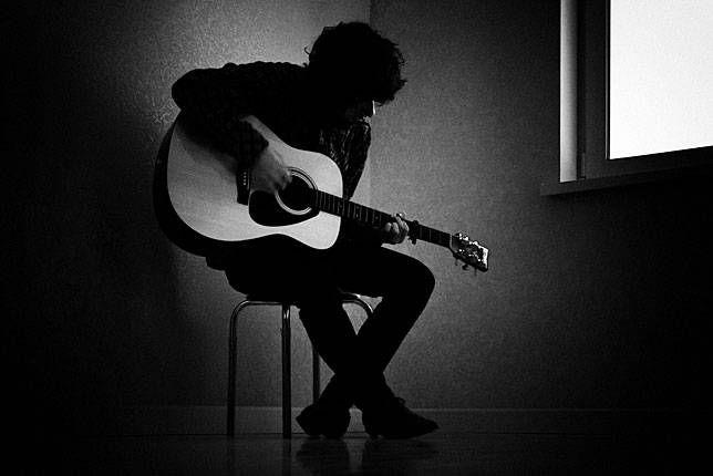 Rock? No, grazie! E' la musica triste che aiuta ad affrontare la vita.