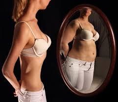 Sono grassa! Non mangio più! Peccato che in realtà peso poco più di un bambino di 7 anni… L'anoressia.