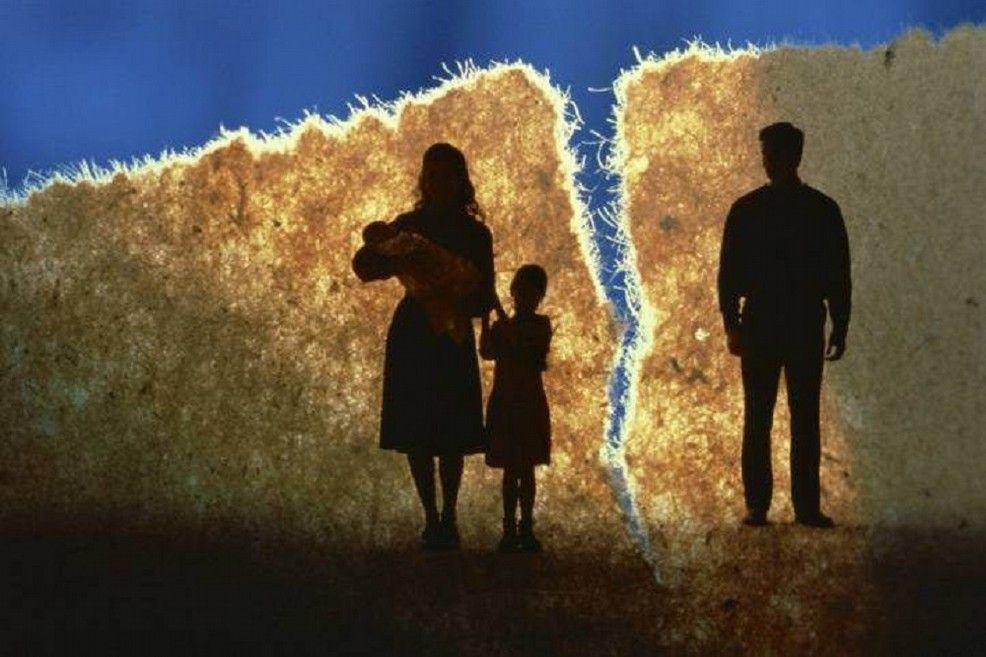 Festa del papà: c'è chi ha la fortuna di festeggiarla con i propri figli e chi invece ne è lontano perché è un papà separato. Qualche piccolo consiglio su come gestire questo complicato rapporto 'a distanza'.